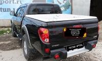 Накладка на задний откидной борт со скотчем 3M Mitsubishi L200 2014-2015 (15MY)