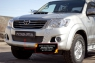 Зимняя заглушка решетки переднего бампера Toyota Hilux 2013-2015